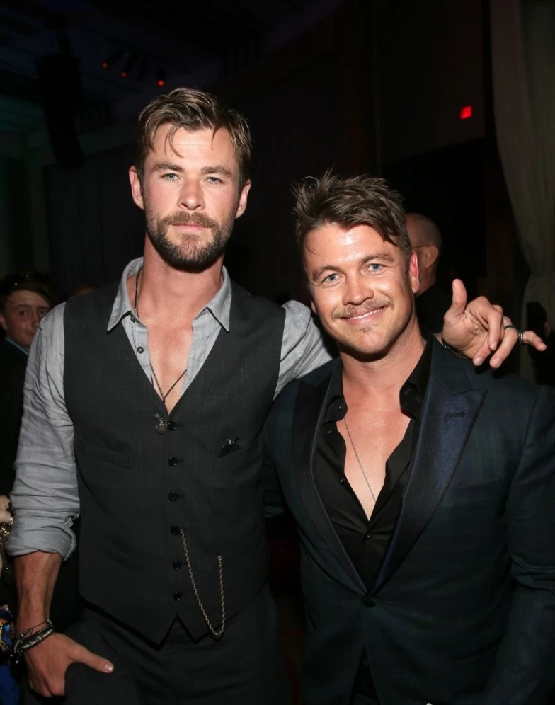 Christ Hemsworth and Luke Hemsworth