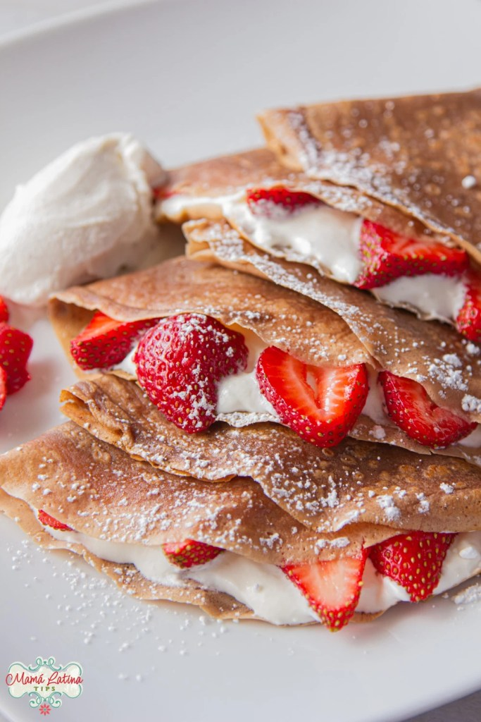3 Neapolitan crepes with strawberries