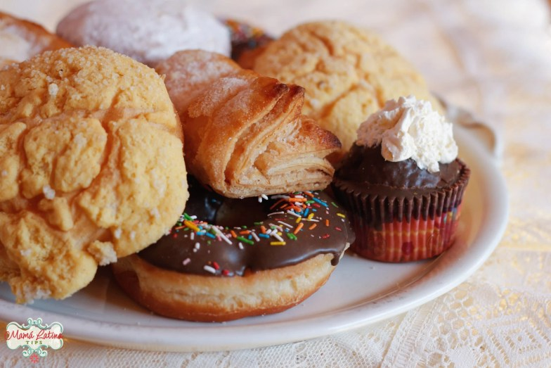Mexican pan dulce on a plater