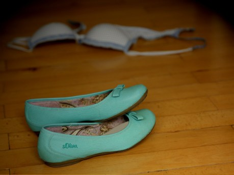 shoes-429944_1280