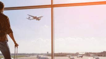 In deze blog lees je waar je rekening mee moet houden wanneer je met het vliegtuig op vakantie gaat deze zomer. Denk aan de PCR test en voorwaarden.