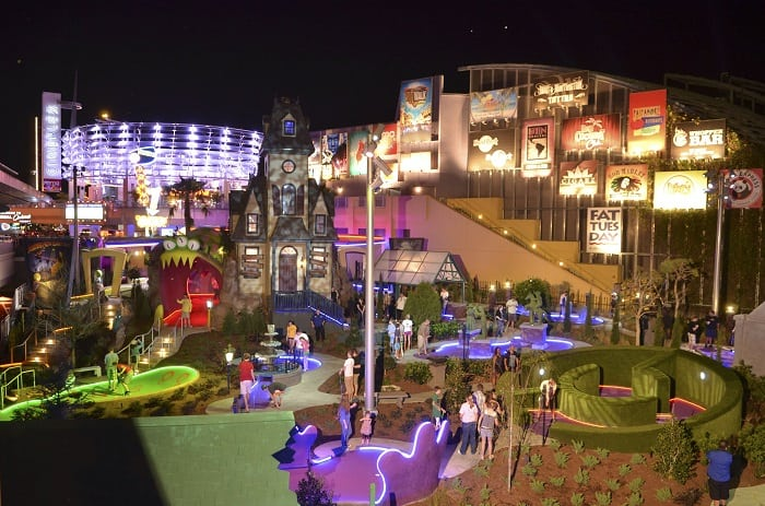 City Walk mini golf walking distance from Cabana Bay Beach Resort Orlando Florida Universal Studios