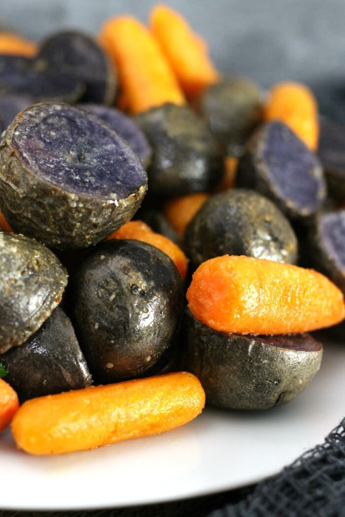 EASY ROASTED PURPLE POTATOES AND CARROTS