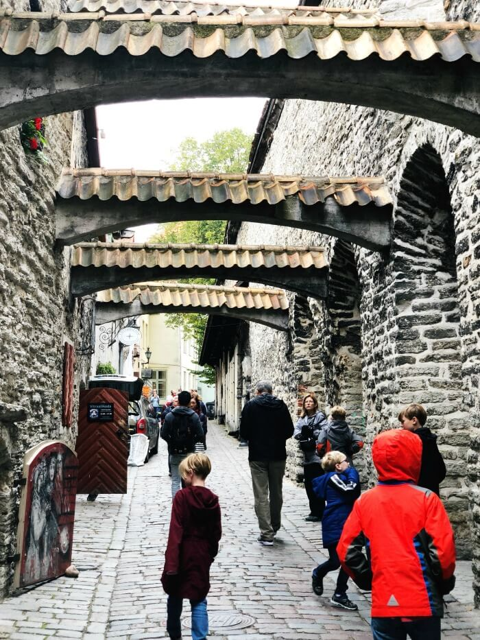 HISTORIC WALKING TOUR IN TALLINN