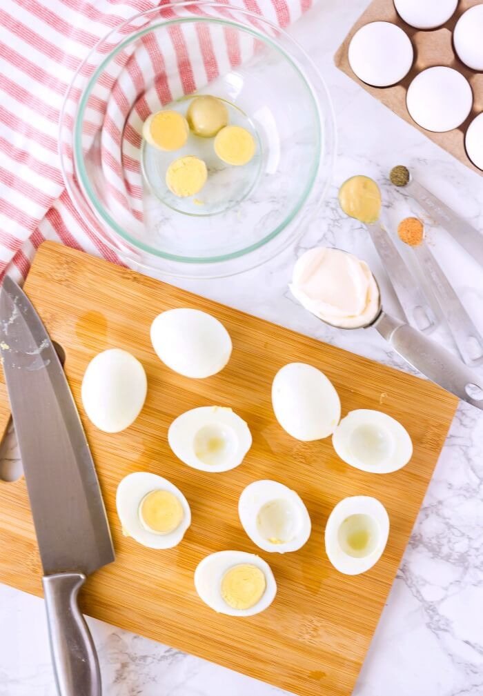HOW DO YOU MAKE DEVILED EGGS