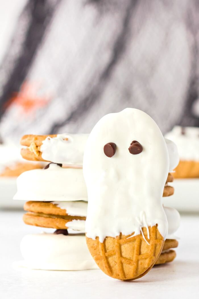 HOW TO MAKE NUTTER BUTTER GHOST COOKIES