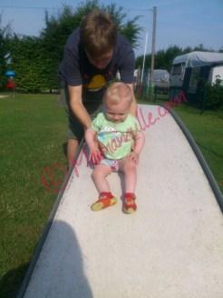 Minigolf zum Spielplatz umfunktioniert