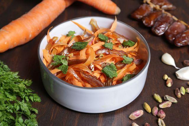 Salade carottes dattes vegan