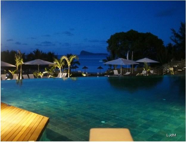 vue_piscine_nuit