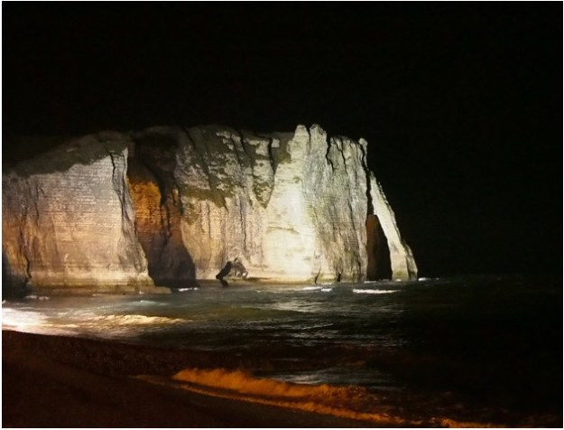 etretat_by_night