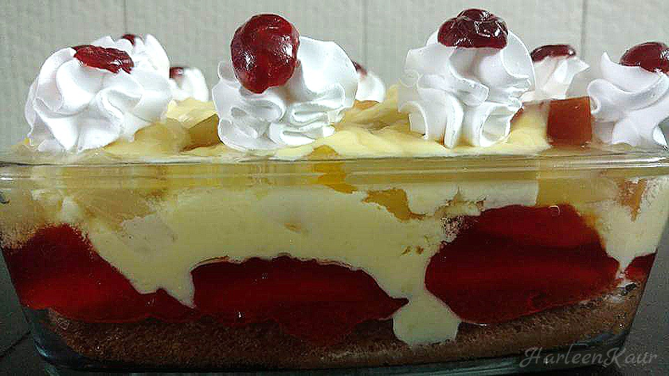 Eggless Trifle Pudding
