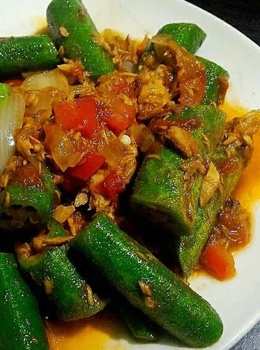 Ginisang Okra with Tuna