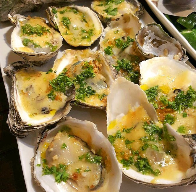 Baked Oyster with Garlic and Cheese