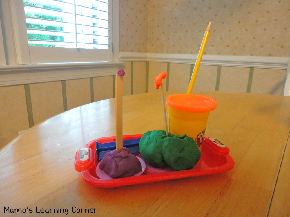 Playdough Birthday Cakes - imaginative play