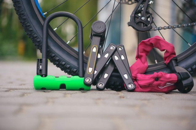 Geen kans op fiets diefstal Foto door Olexander Kozak