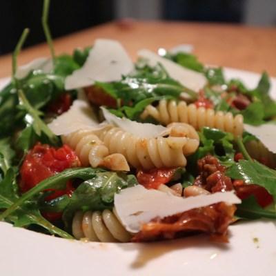 Rezept: Soulfood-Pasta mit Bohnen, Tomaten, Rucola