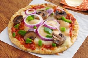 Receta de ComidaKraft.com: Pizzas rápidas en pan de pita (con video)