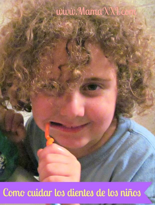 niño-cepillando-dientes