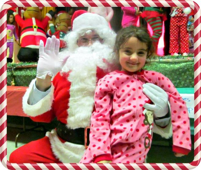 Santa Clauss y Sarah en Navidad
