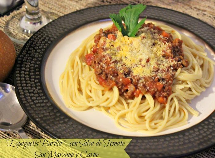 Espaguetis Barilla® con Salsa de tomate San Marzano y carne