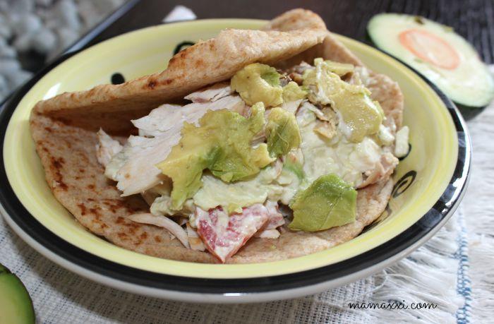 Receta Pita Sandwich de Ensalada Griega y Aguacates