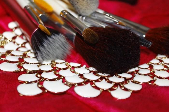 makeup-brush-548178_640
