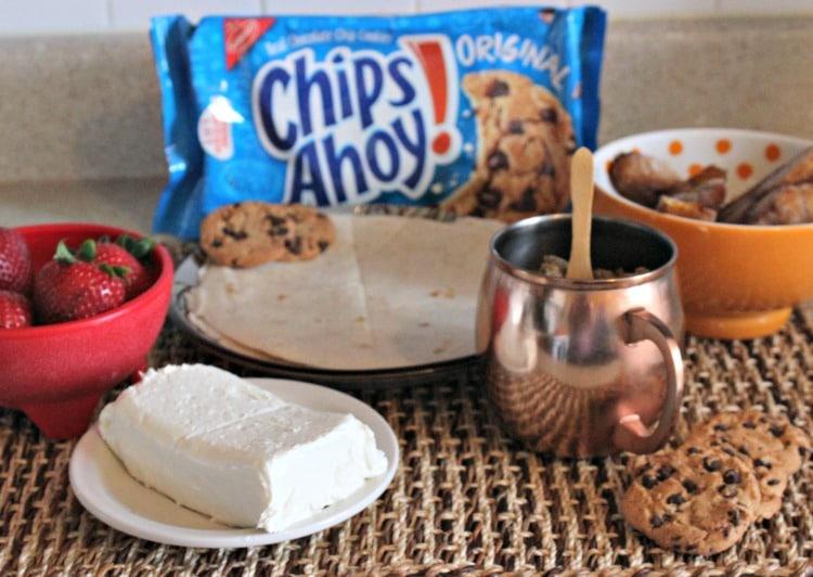 Ingredientes para realizar la receta de Quesadillas Dulces con plátanos y cookies Chips ahoy