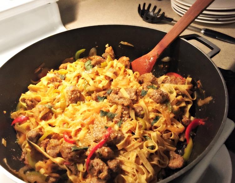 Como preparar fideos con chorizos y pimientos