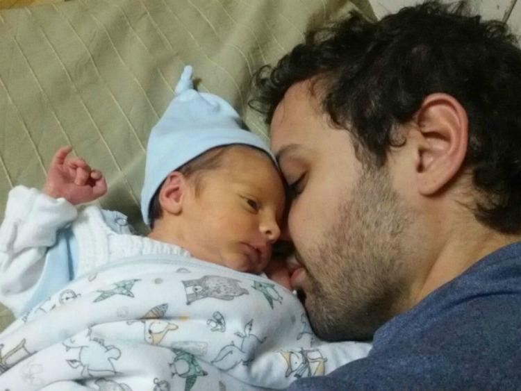 bebé recién nacido, prematuro, nacimiento anticipado, familia, paternidad, maternidad, crianza, hijo, hijos