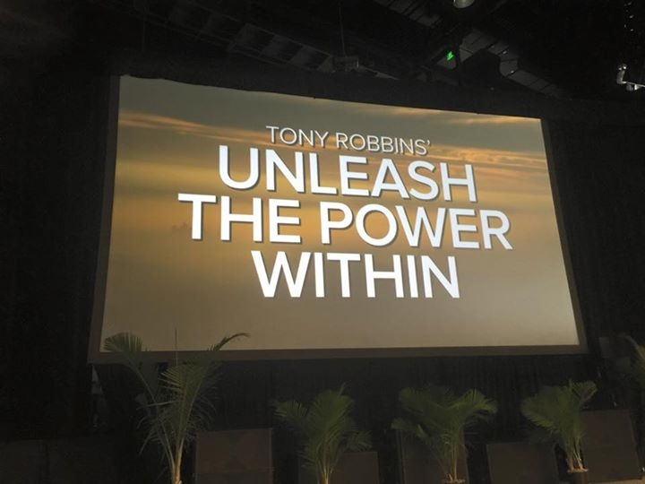 unleash the power within, tony, robbins, conferencia, evento, coaching