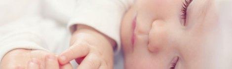 Kako naučiti bebu da sama zaspi