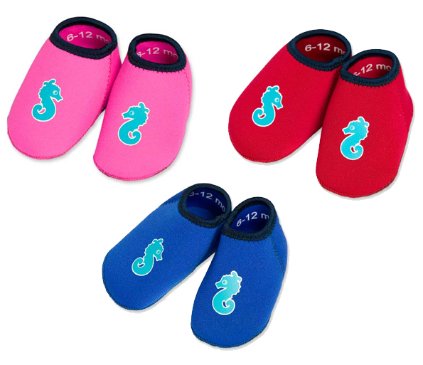 Calzado infantil para la playa y piscina mamis y beb s for Piscina infantil decathlon