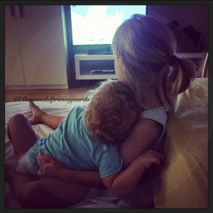 amore bambine mammadalprimosguardo