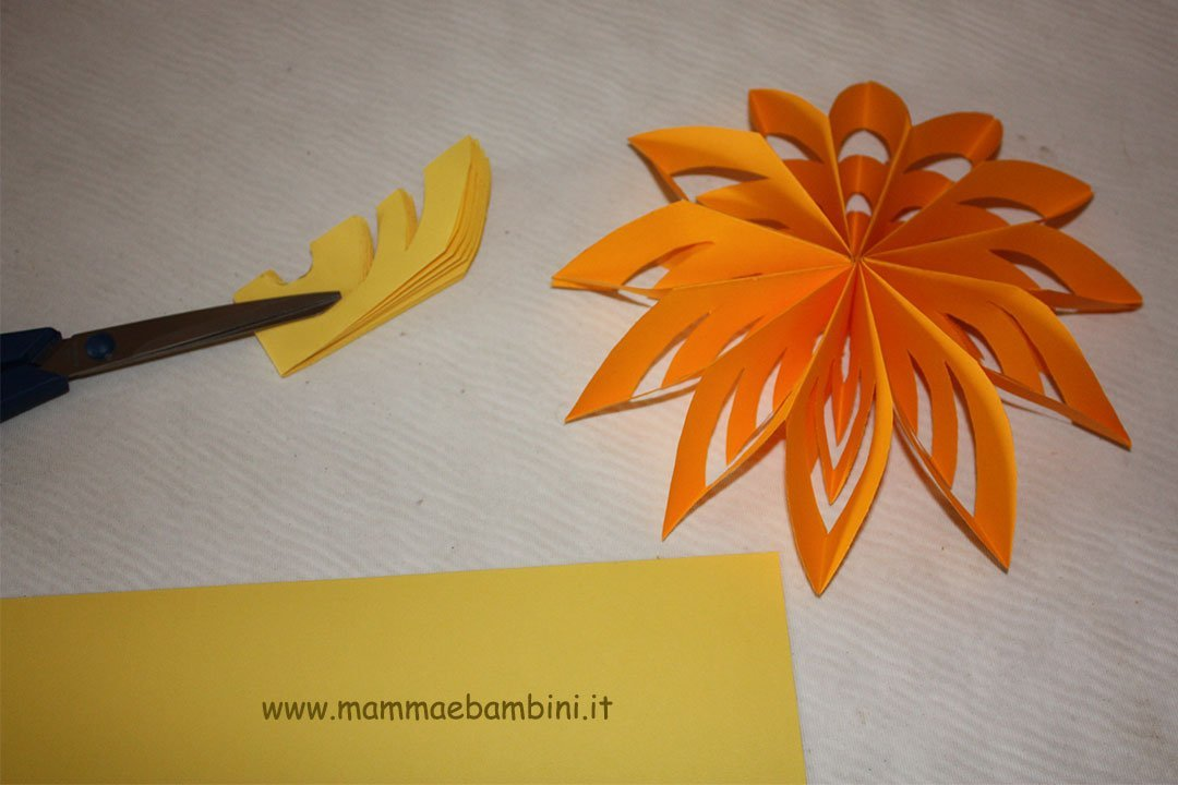 Come fare fiori semplici di carta  Mamma e Bambini