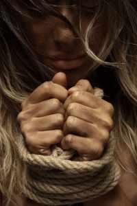 rope 2322774 1920 200x300 - Giornata Mondiale contro la Violenza sulle Donne