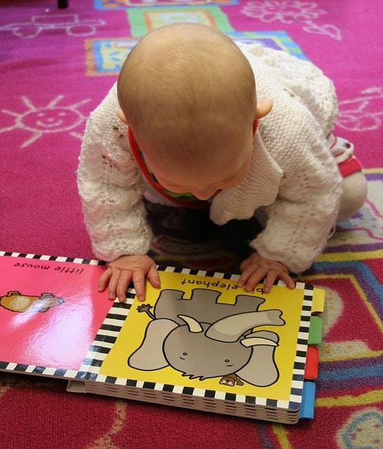 leggere già dal grembo materno