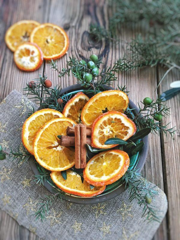 Come essicare le arance per le decorazioni di Natale.