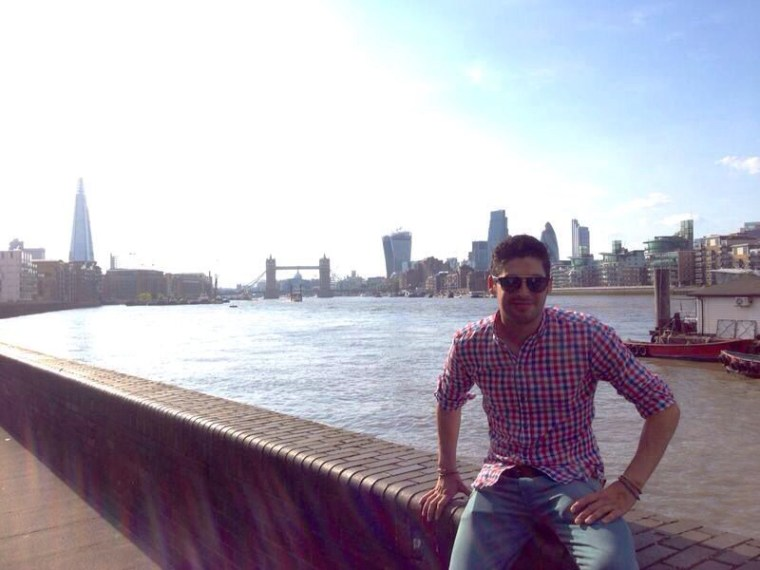 Jordi takes in the London sun during a much needed break from work.