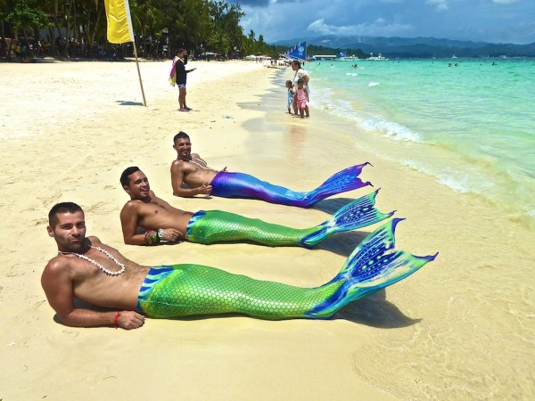 Swimming-mermaids-Boracay
