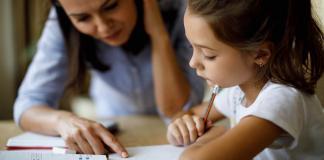 होमस्कूलिंग आनंदी आणि संस्कारी कसे बनवता येईल