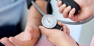 उच्च रक्तदाबावर करता येणारे घरगुती उपचार आणि काळजी