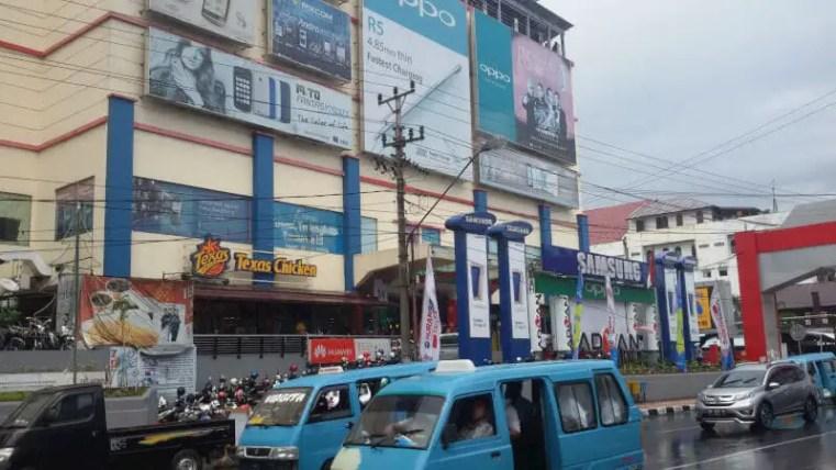 IT center, mal khusus elektonik di Manado