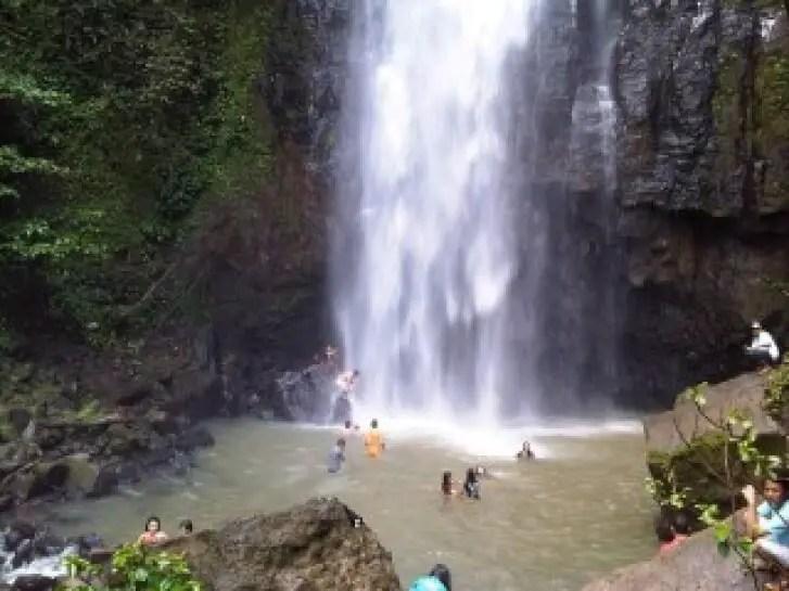 air terjun tinoor (tinoor waterfall)