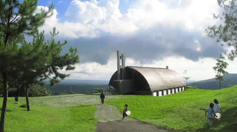 Bukit Doa Tomohon Kapel