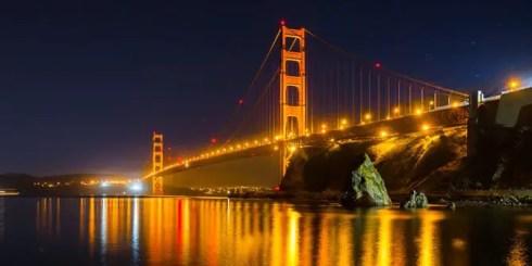 jembatan soekarno, di malam hari