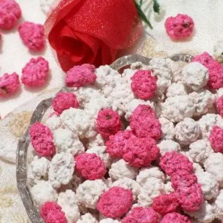 kacang goyang pink-putih