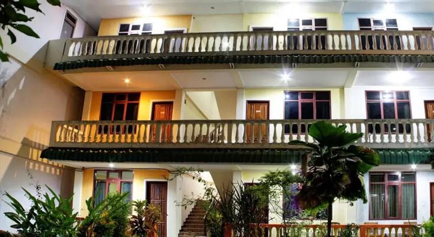 kolongan-beach-indah-hotel_bookingdotcom