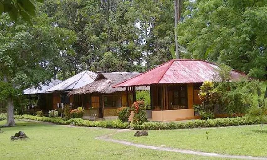 lorenso cottage beach garden
