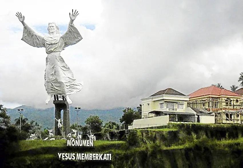 monumen-yesus-memberkati