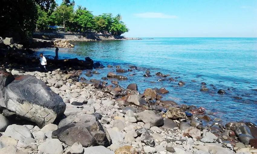 pantai malalayang salah satu spot gratis warga yang tersisa